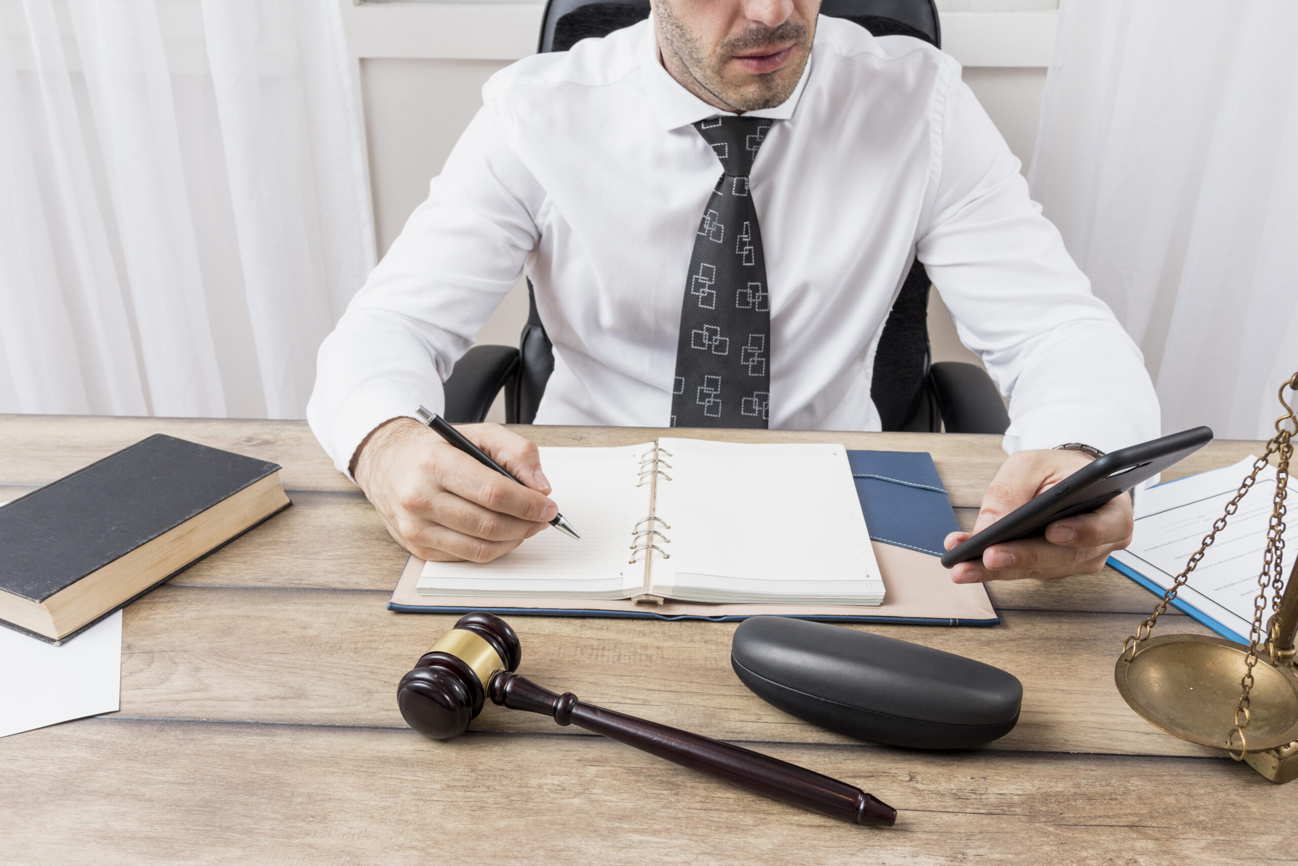 Legal & Fixer Consultores S. C. Ante tiempos complejos, la estrategia legal es un factor clave